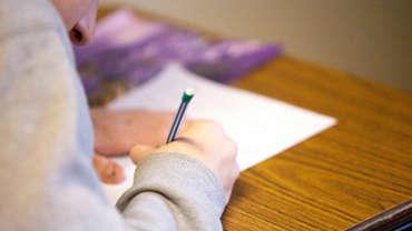 Esiopetukseen, esiopetusta täydentävään varhaiskasvatukseen, perusopetuksen 1. luokalle ja koululaisten iltapäivätoimintaan ilmoittautuiminen